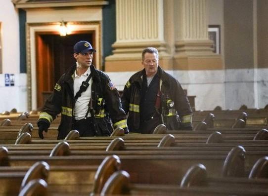 "NUP 186467 0269 595 Spoiler%2BTV%2BTransparent - Chicago Fire (S07E21) ""The White Whale"" Episode Preview"