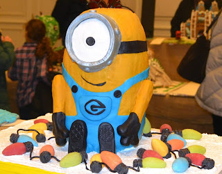 """Despicable Me"" minion gingerbread house"