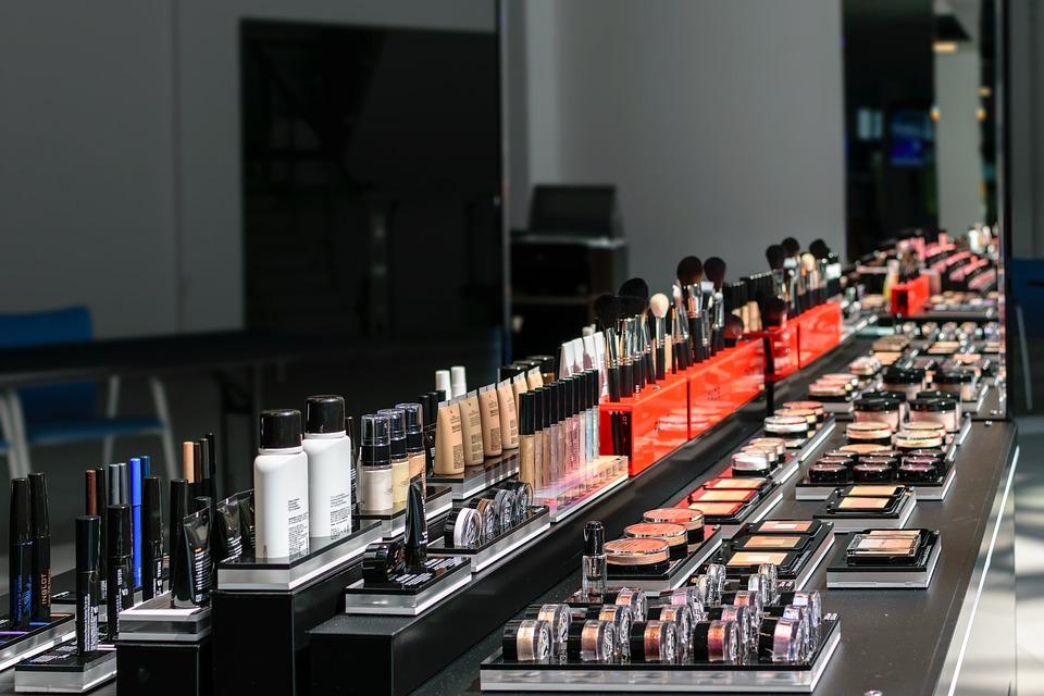 4  zasady testowania kosmetyków w drogeriach