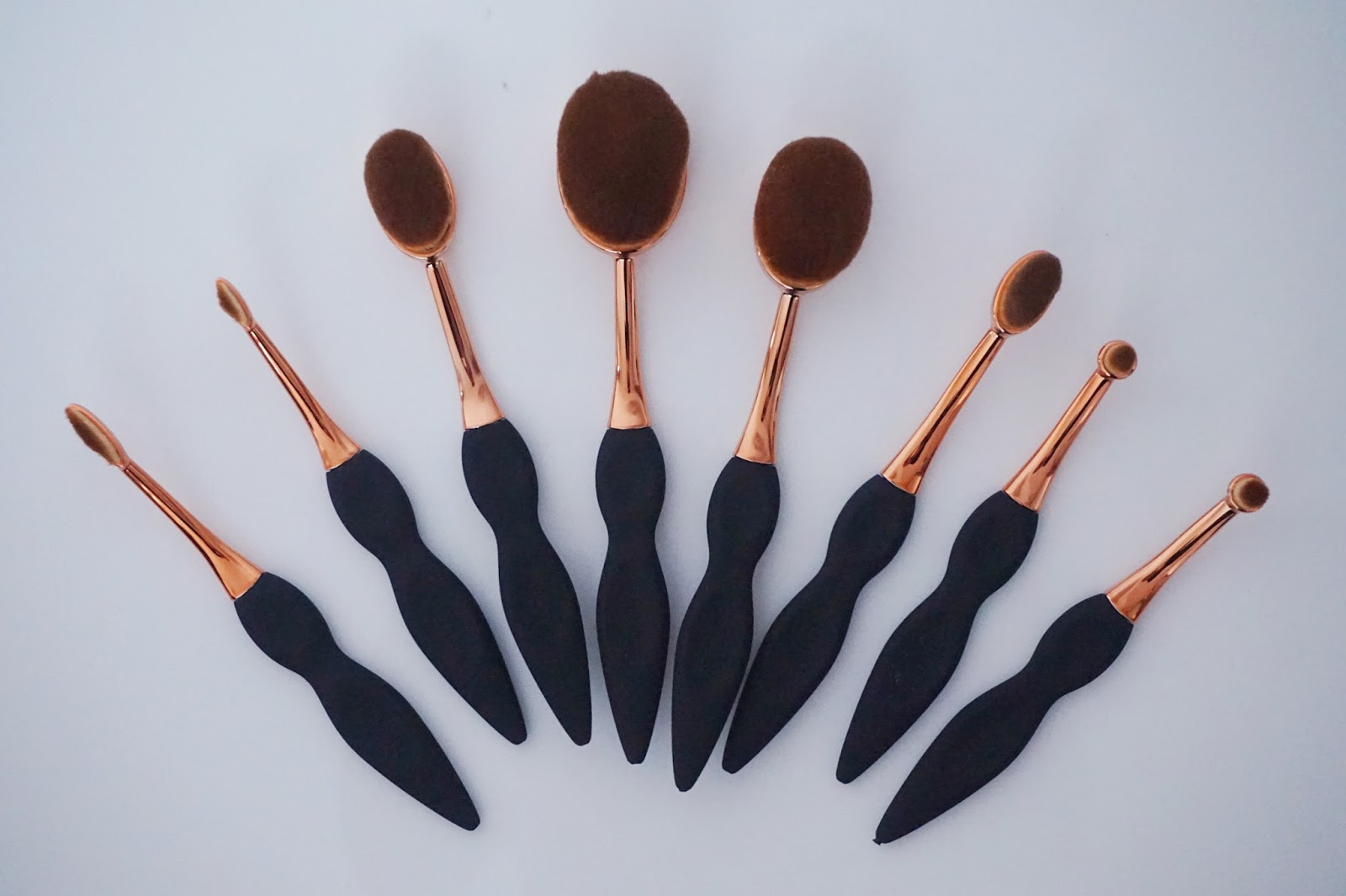 Beaubelle Oval brushes on flat lay