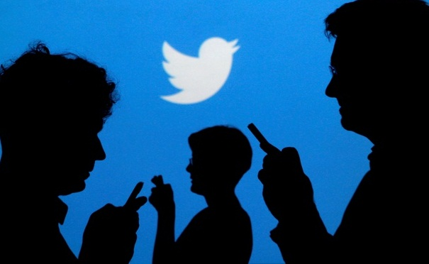 Top Twitter users lose 2% of followers on average as policy changes