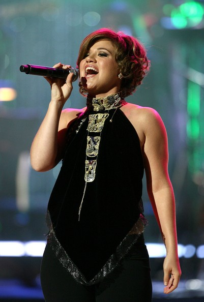 New Look Of Kelly Clarkson Hairstyles Amazing Kelly