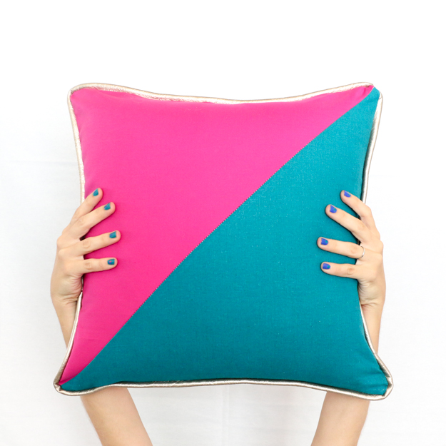 Diy Gold Throw Pillow : A Kailo Chic Life: Sew It - Color Blocked Triangle Pillows