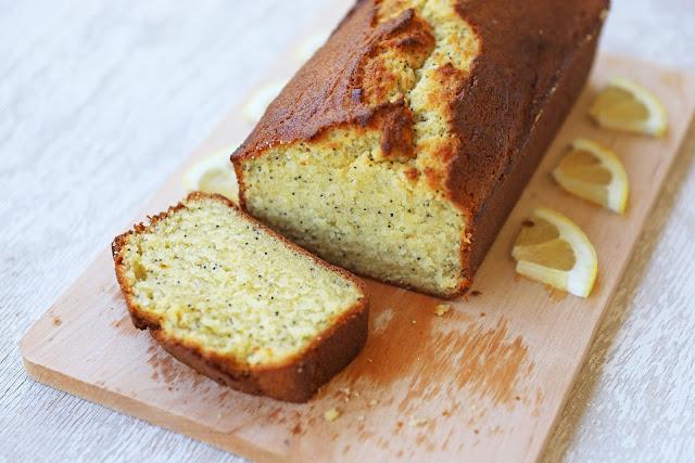 Συνταγή για Κέικ με Λεμόνι και Παπαρουνόσπορο