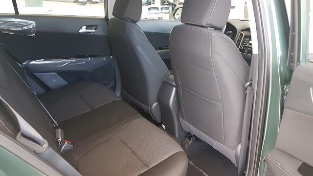 Hyundai Creta 1.6 Automático - espaço traseiro