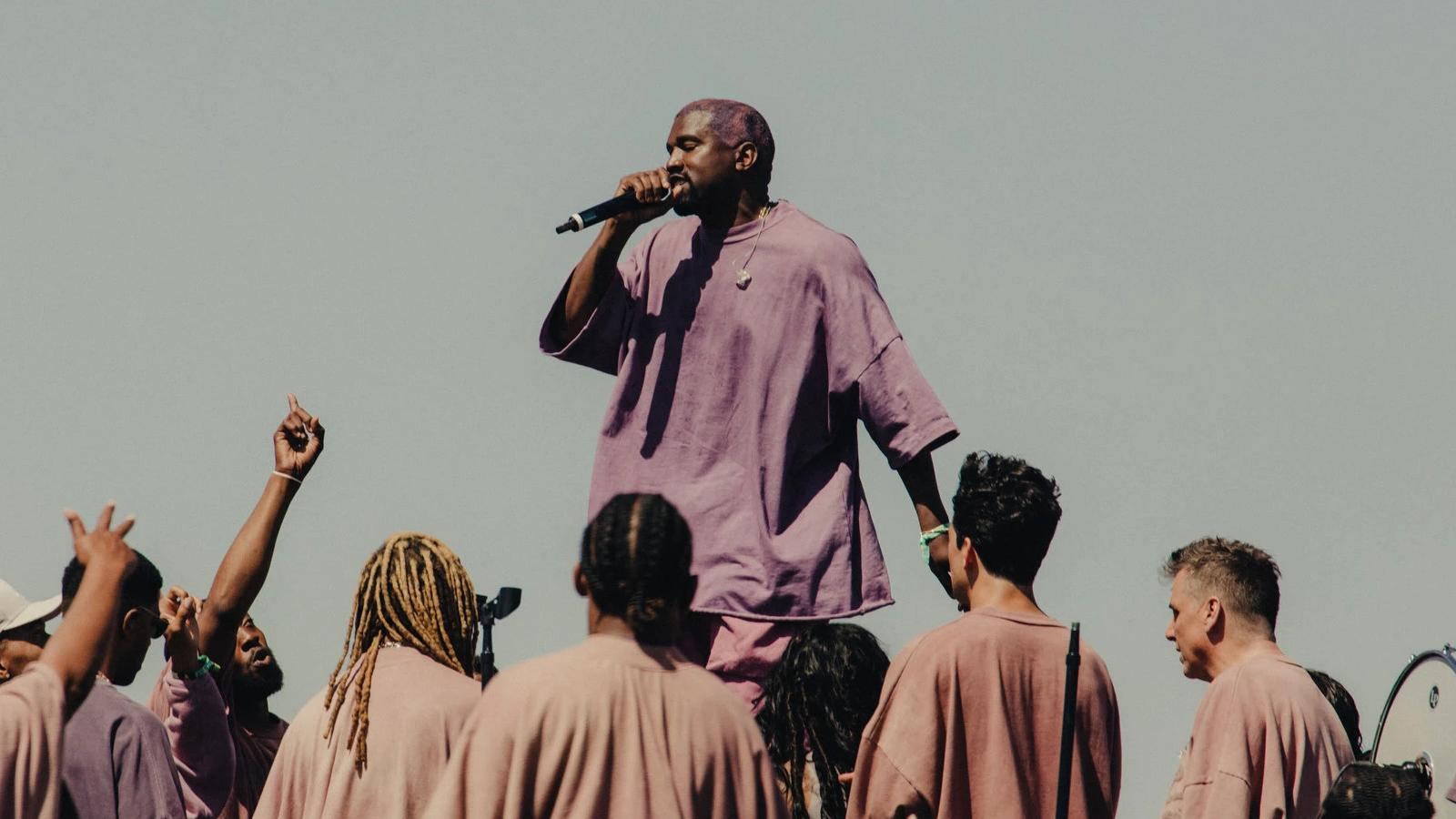 Assim como a passagem bíblica de Moisés ou, no Coachella, o show de Beyoncé no último ano, a performance de Kanye West é divisora de águas para o festival.