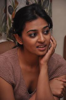 Radhika Apte Cute Stills  13.jpg