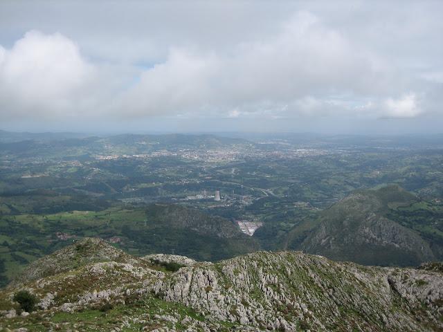 Rutas Montaña Asturias: Vista de Oviedo desde cima del Monsacro