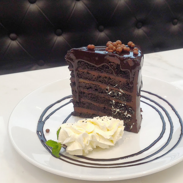 Sugar-Factory-chocolate-cake