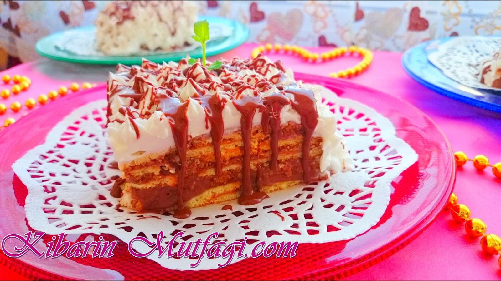 Eti kakaolu bisküviden muzlu tek porsiyonluk mini pasta tarifi – Kolay bisküvili pasta tarifleri
