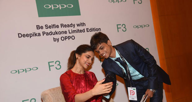 With-oppo-offer-two-winners-Deepika