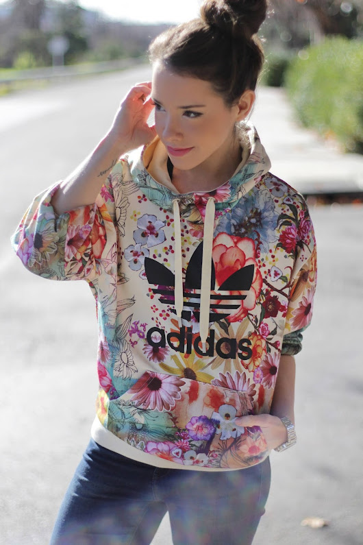 Iron Red : Adidas y flores