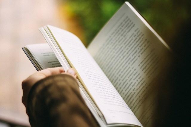 jadi lebih paham dan berwawasan dengan membaca