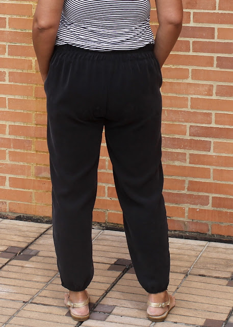 French Navy Now Calyer Pant in cupro twill with an elasticized hem.