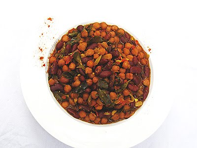 chickpea kidney bean Indian curry