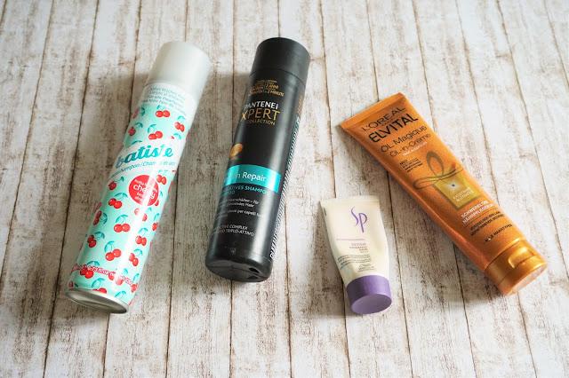 batiste - Fruity & Cheeky cherry Trockenshampoo, Pantene Pro V Expert - Keratin Repair Shampoo, Wella SP - Repair Shampoo, L'Oréal Elvital - Öl Magique Öl-in-Creme