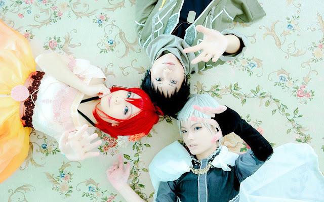 Cosplay bohaterów anime Akagami no Shirayukihime: Shirayuki, Obi i Zen