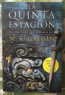 Portada del libro La quinta estación, de N. K. Jemisin