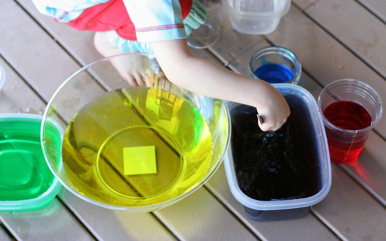 Easy Color Mixing with Fizzy Tablets