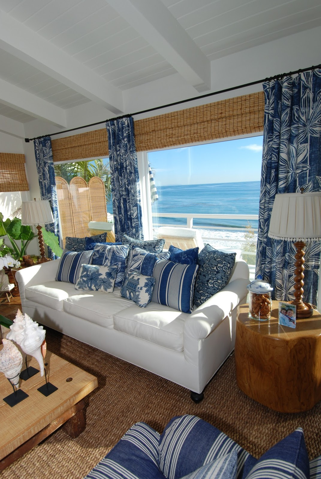 Everything coastal sea blue and white always a classic beach house look - Beach style living room ...