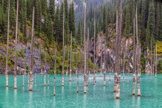 Danau Kaindy di Kazakhstan (Thinkstock) updetails.com
