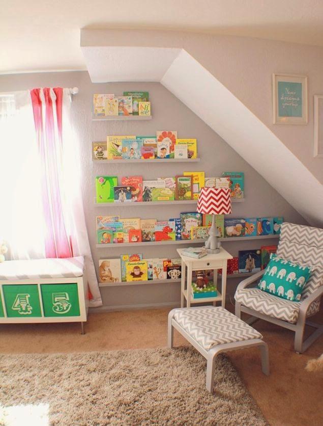 C mo guardar los libros en un dormitorio de ni os ideas - Ideas para guardar juguetes en los dormitorio ...