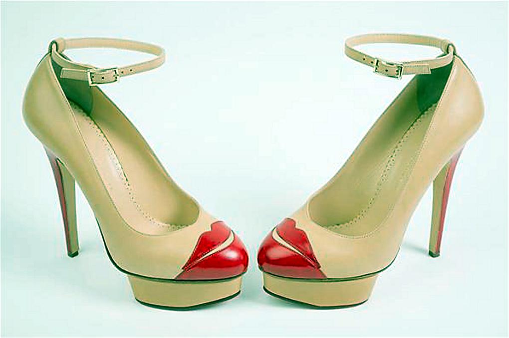 88060892b149d5 Denn zum Küssen sind sie da  Charlotte Olympia Dellals Schuhe mixen Dita  Von Teeses favorisierten Glamour der 40er Jahre mit modernem Charme.