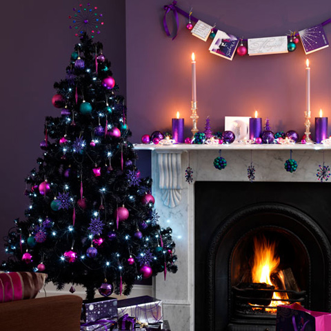 C Pink And Hint Of Silver On Black Is Absolutely In Trend A Very Non Traditional Christmas Decoration But Perfect For Those Who Love Experimenting