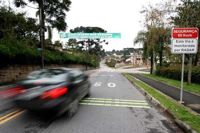 Governo usa radares inteligentes para cobrar IPVA