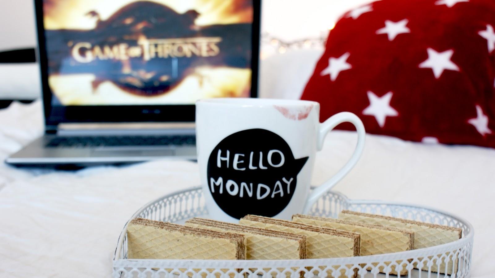 Gra o tron, Game od Thrones, fotografia, zasady oglądania, seriale, series, ciastka, kubek Primark, Hello Monday, lazy day, uzależnienie, ciastka, słodycze
