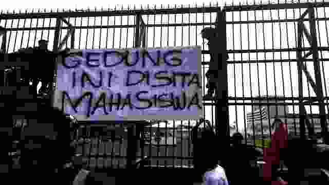 Kritik Anti kritik Parlemen Di Negeri Demokrasi, Mana Bisa?