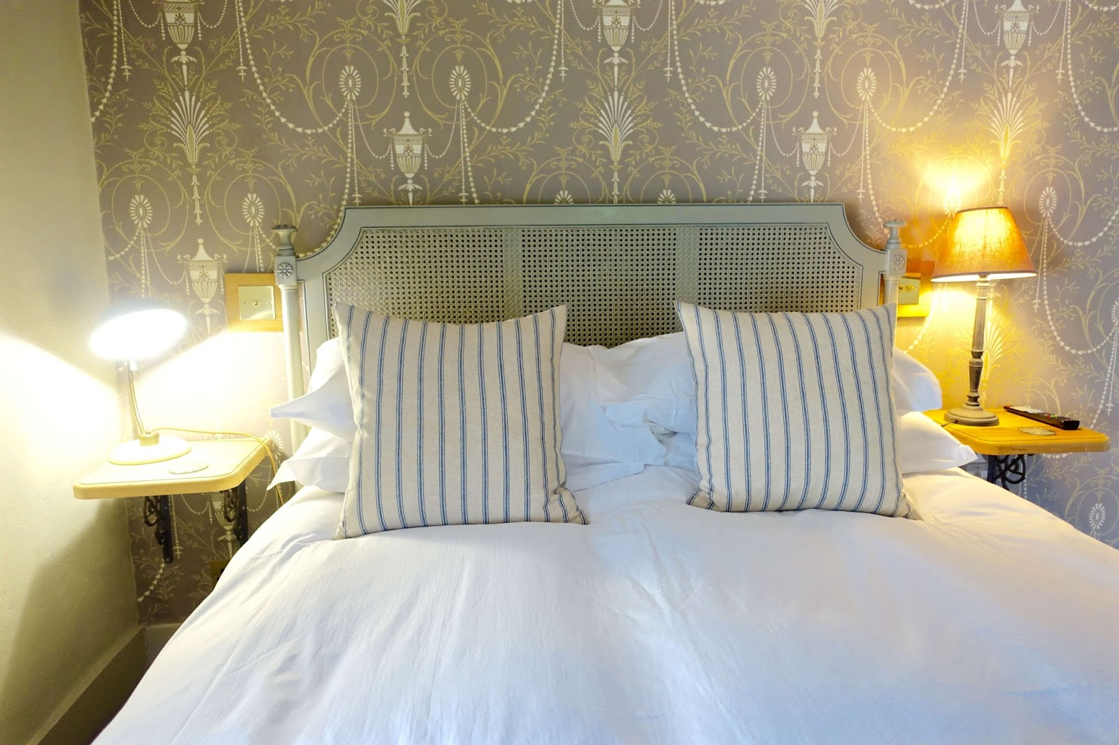luxury rooms at running horses pub in mickleham