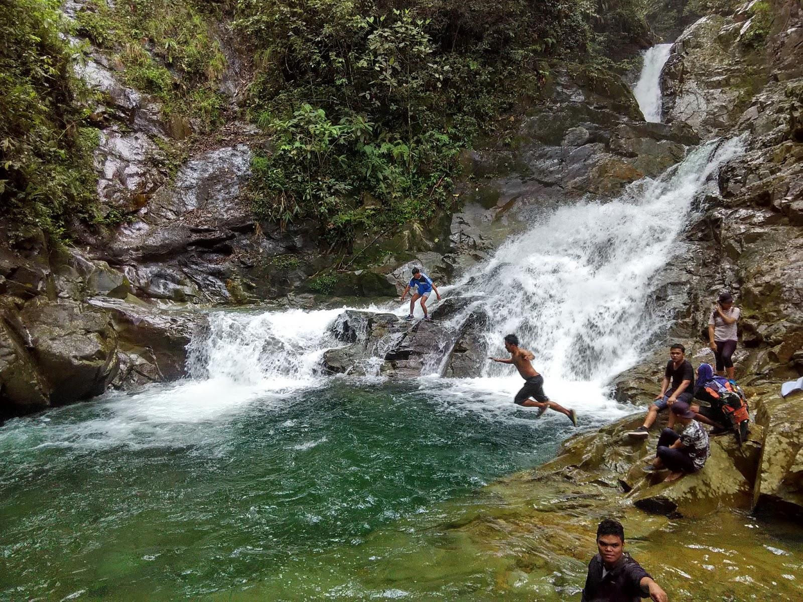 Petualangan Menuju Air Terjun Simempar - Badia Tarigan ...