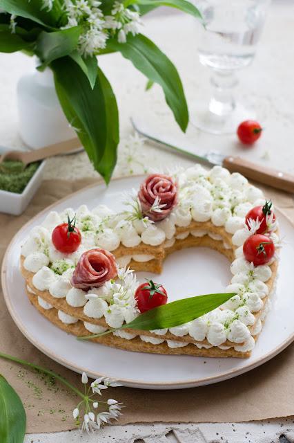 Number cake salé en forme de cœur au fromage de chèvre