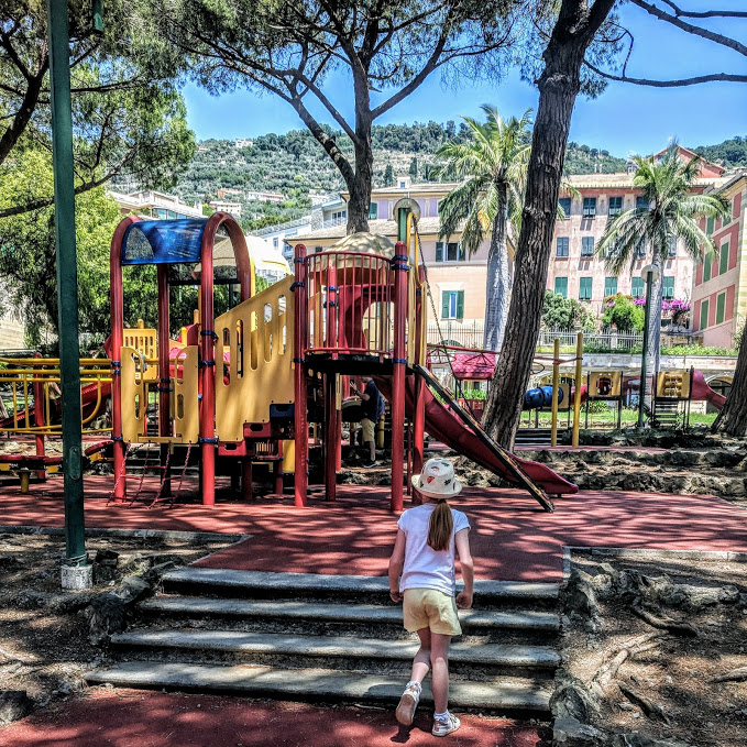 How to spend a weekend in Genoa with kids - Nervi play park for kids