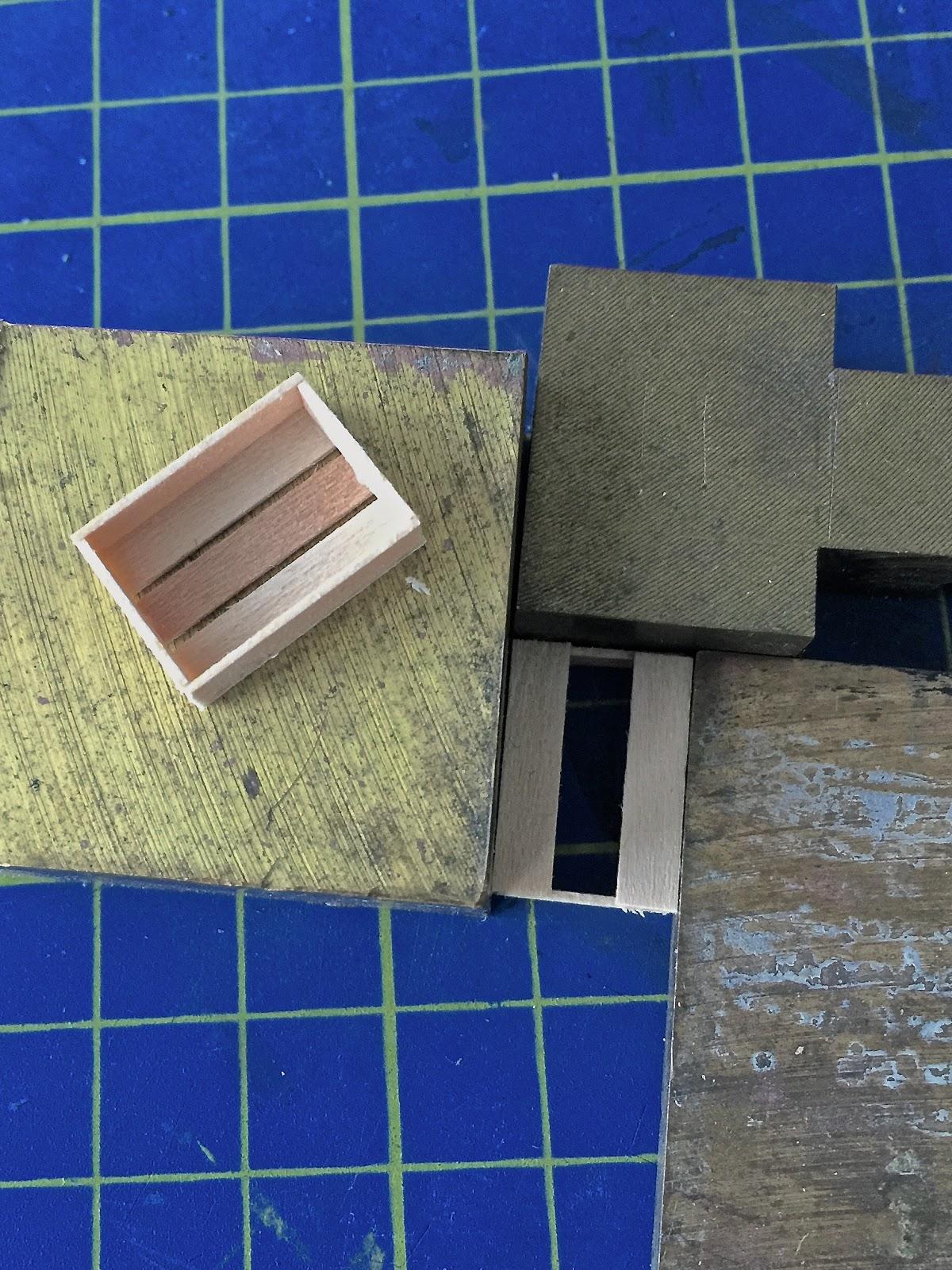 vom leben gezeichnet von marcel ackle gebaut kleiner. Black Bedroom Furniture Sets. Home Design Ideas