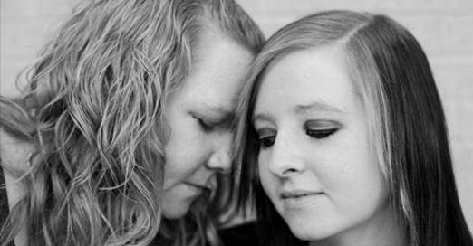 En quittant la salle d'accouchement, ils savent tous que cette mère de 17 ans va mourir. C'était prévu.