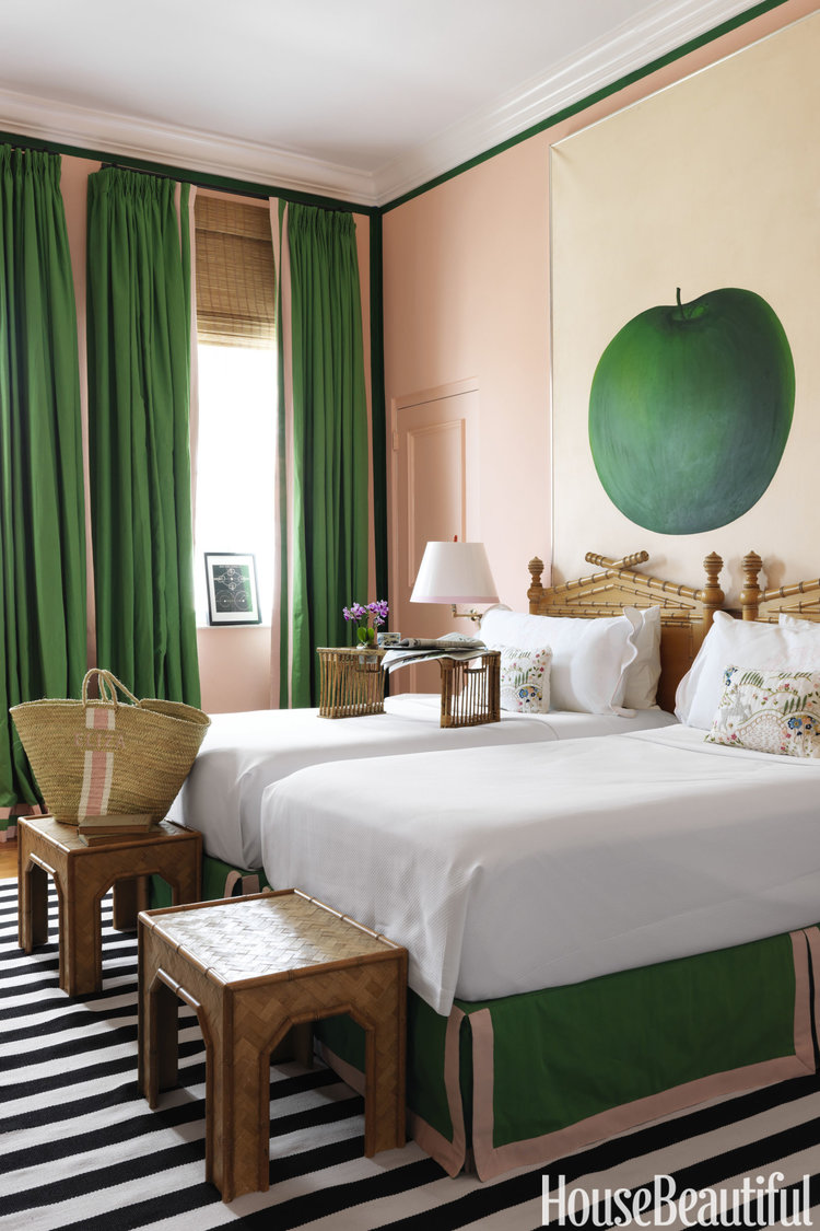 Beautiful beach bedroom decor Amanda Lindroth via belle vivir blog