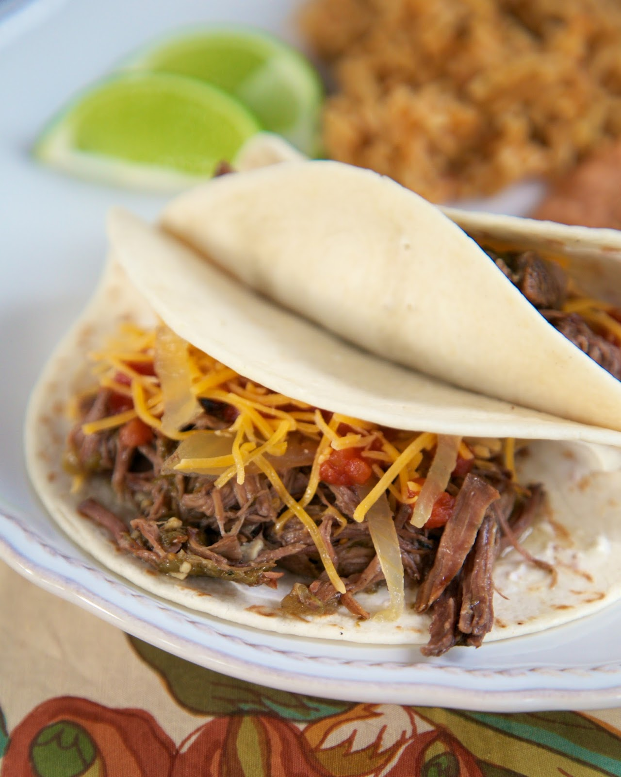 Slow Cooker Beef Barbacoa Tacos With Tomatillo Salsa: Salsa Verde Beef Tacos {Slow Cooker}