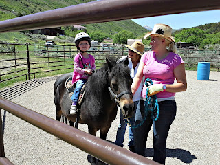 Hippotherapy_Horse_Speech_Therapy_Girl