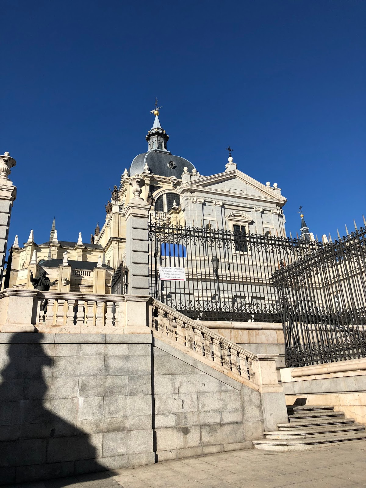 where-to-see-madrid-dc-travel-blogger-spain-Catedral-de-la-Almudena