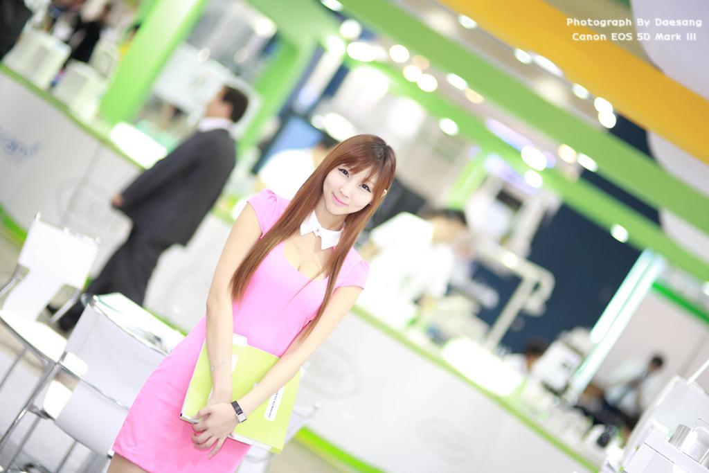 Lee Yoo Eun at SIDEX 2012