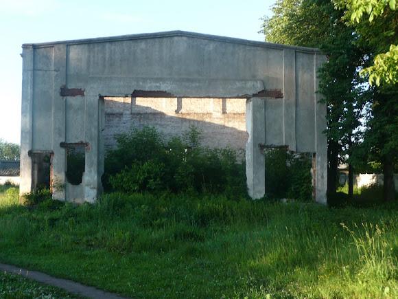 Конотоп. Зруйнований кінотеатр