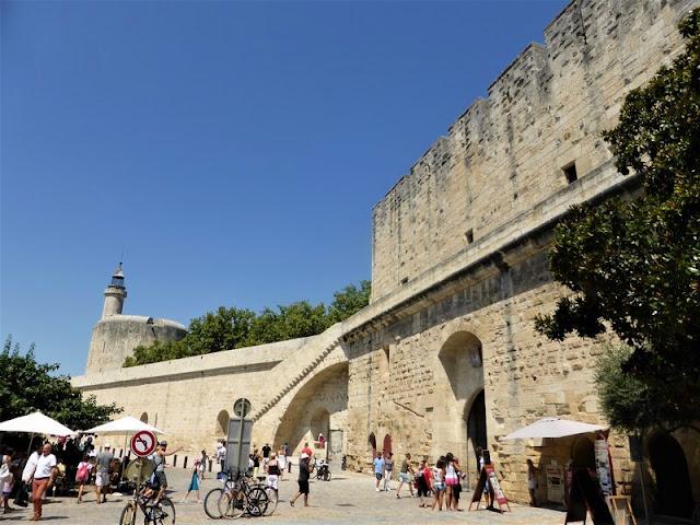 Aigues Mortes, Torre de Constance y murallas