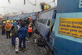 Acidente de trem deixa ao menos 36 mortos na Índia