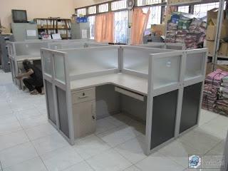 Kontraktor Interior - Office Cubicle Table Workstation - Produsen Meja dan Sekat Kantor di Semarang