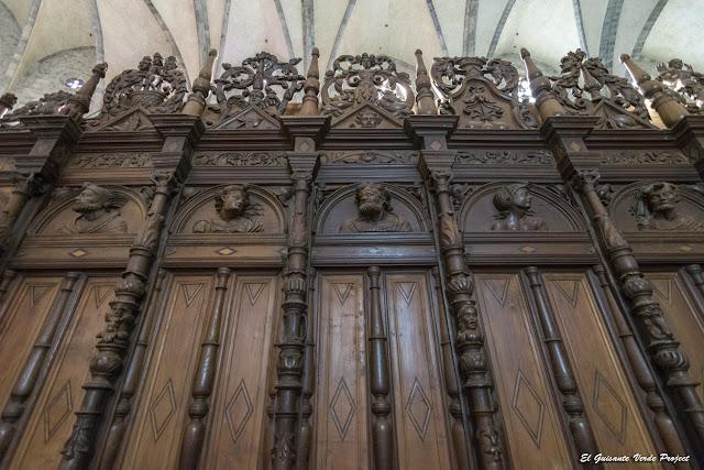 Exterior del Coro Renacentista, Catedral Santa Maria en Saint Bertrand de Comminges, por El Guisante Verde Project