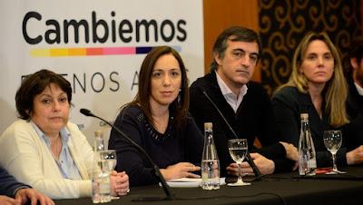 Escándalo: cientos de pobres, cientos de beneficiarios de planes sociales, cientos de personas inscriptas en los planes Argentina Trabaja y Ellas Hacen figuran aportando a la campaña de Cambiemos, aunque apenas pueden vivir con el dinero que cobran del Estado
