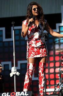 Priyanka CHopra in Red White Mini Dress at Global Citizen Festival NY Sep 2017