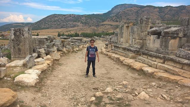 Harun İstenci Denizli Pamukkale Hierapolis Antik Kentinde